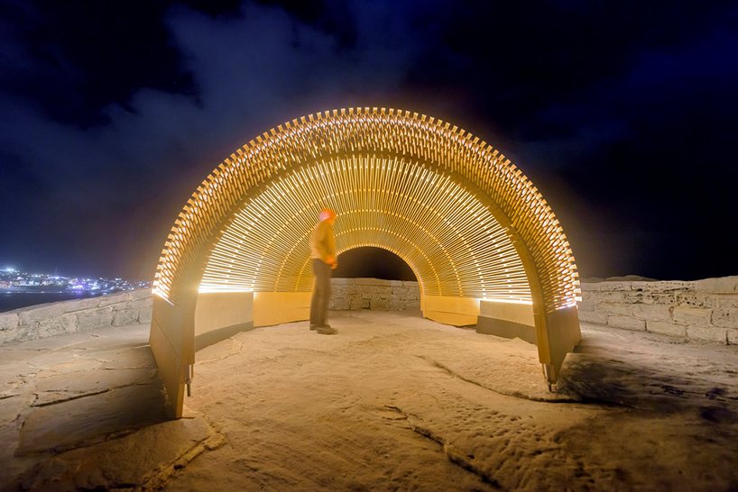 nicole-larkin-dynamics-in-impermanence-sculpture-by-the-sea-designboom-05